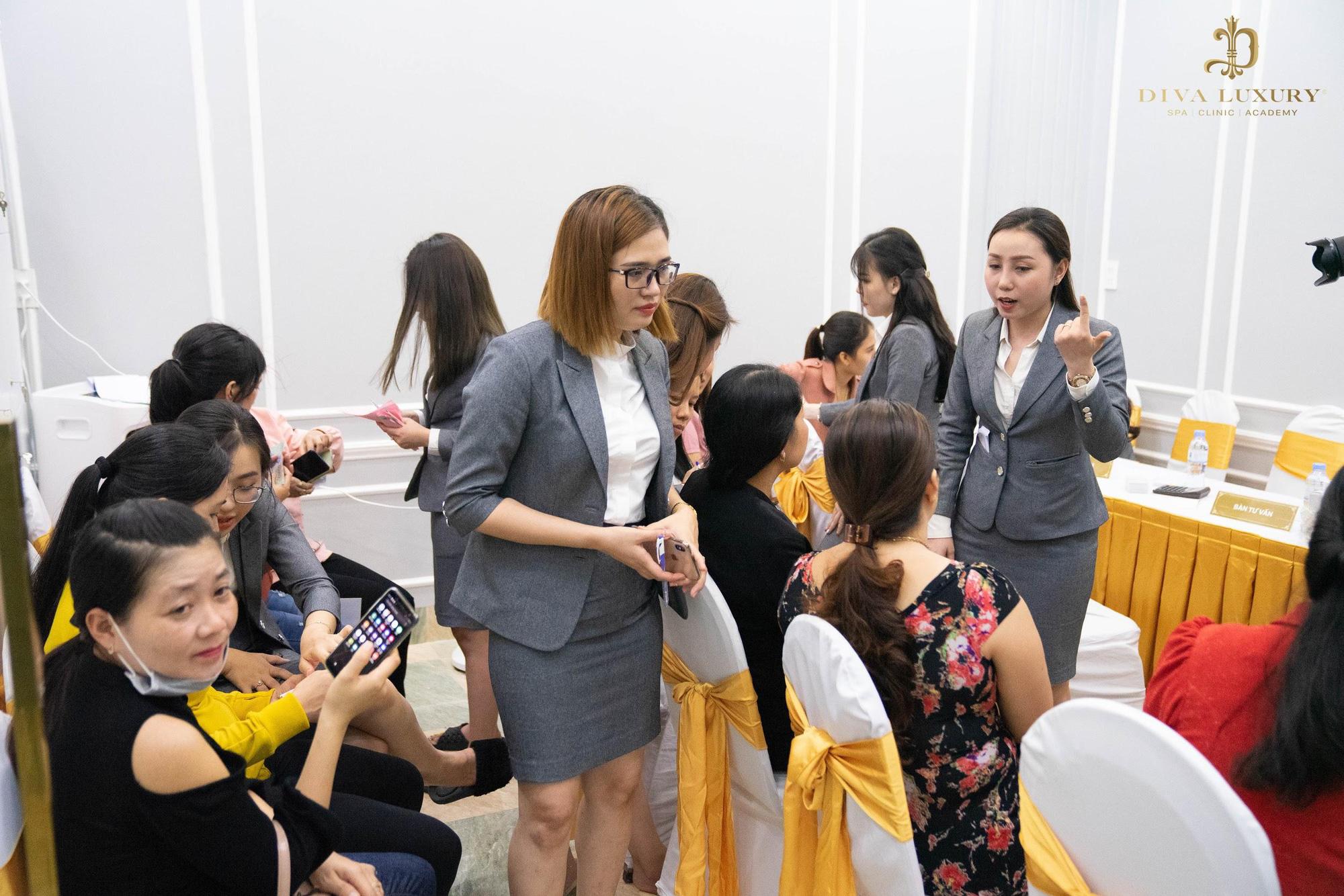 """Thẩm mỹ viện DIVA Vị Thanh - Hậu Giang """"quá tải"""" trong ngày đầu khai trương - Ảnh 5."""