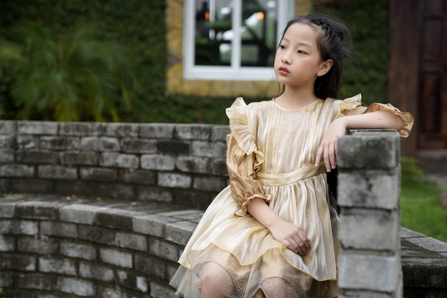 """""""Công chúa băng giá"""" của làng thời trang Việt đốn tim với vẻ đẹp siêu ngọt ngào - Ảnh 4."""