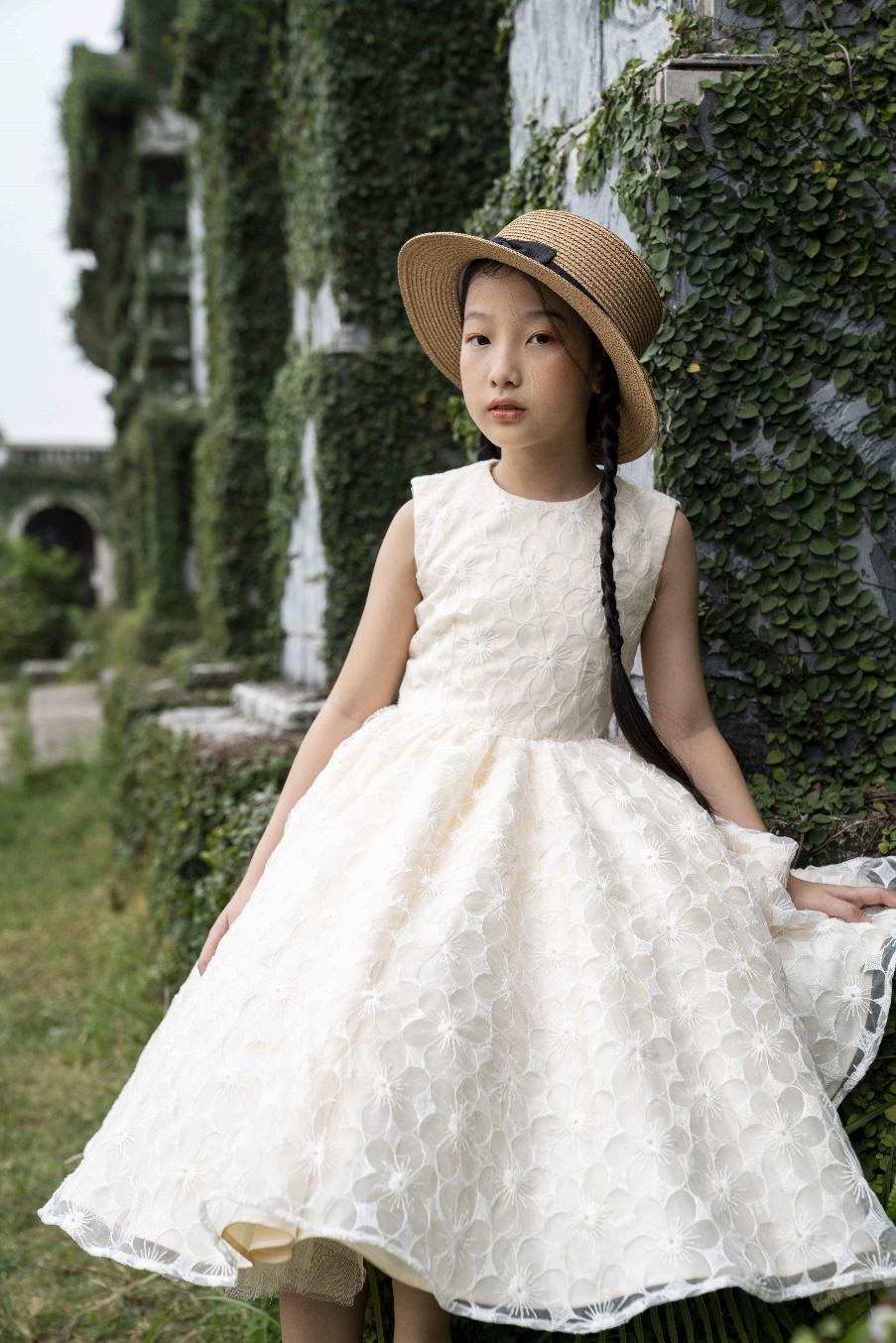 """""""Công chúa băng giá"""" của làng thời trang Việt đốn tim với vẻ đẹp siêu ngọt ngào - Ảnh 5."""