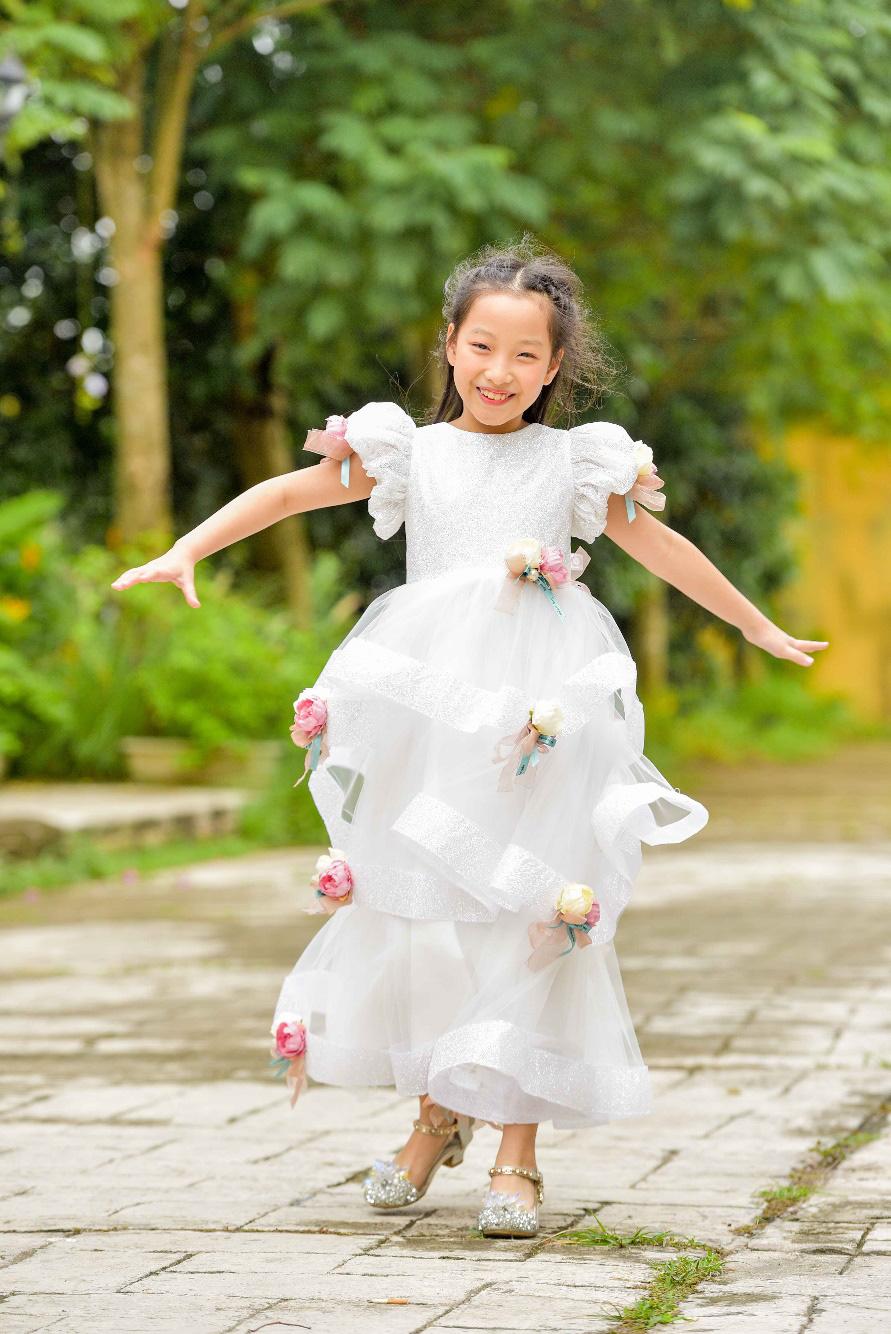 """""""Công chúa băng giá"""" của làng thời trang Việt đốn tim với vẻ đẹp siêu ngọt ngào - Ảnh 7."""