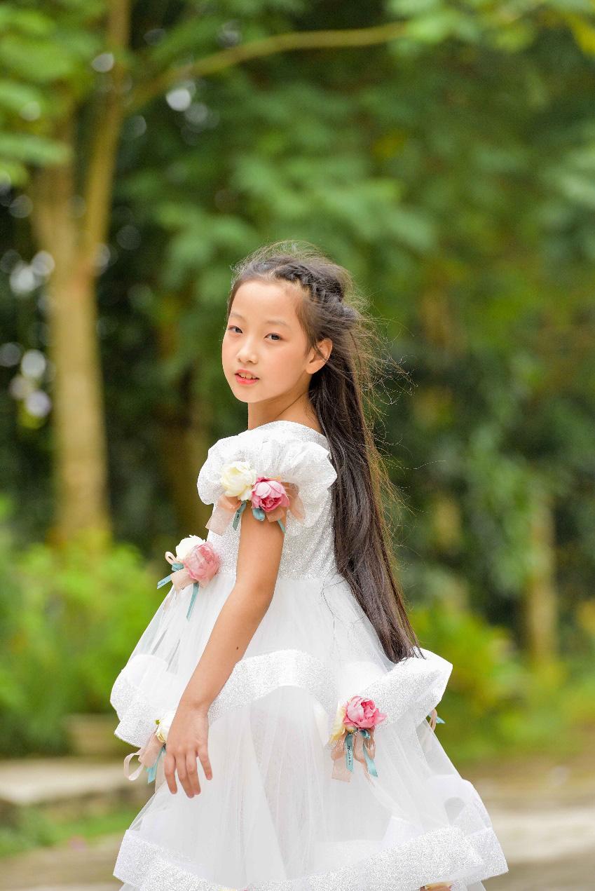 """""""Công chúa băng giá"""" của làng thời trang Việt đốn tim với vẻ đẹp siêu ngọt ngào - Ảnh 8."""