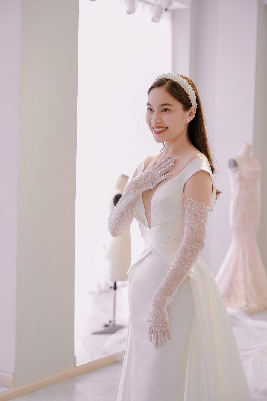 Sau Đông Nhi, Bảo Thy, đến lượt Giang Hồng Ngọc thử váy trước thềm đám cưới - Ảnh 5.