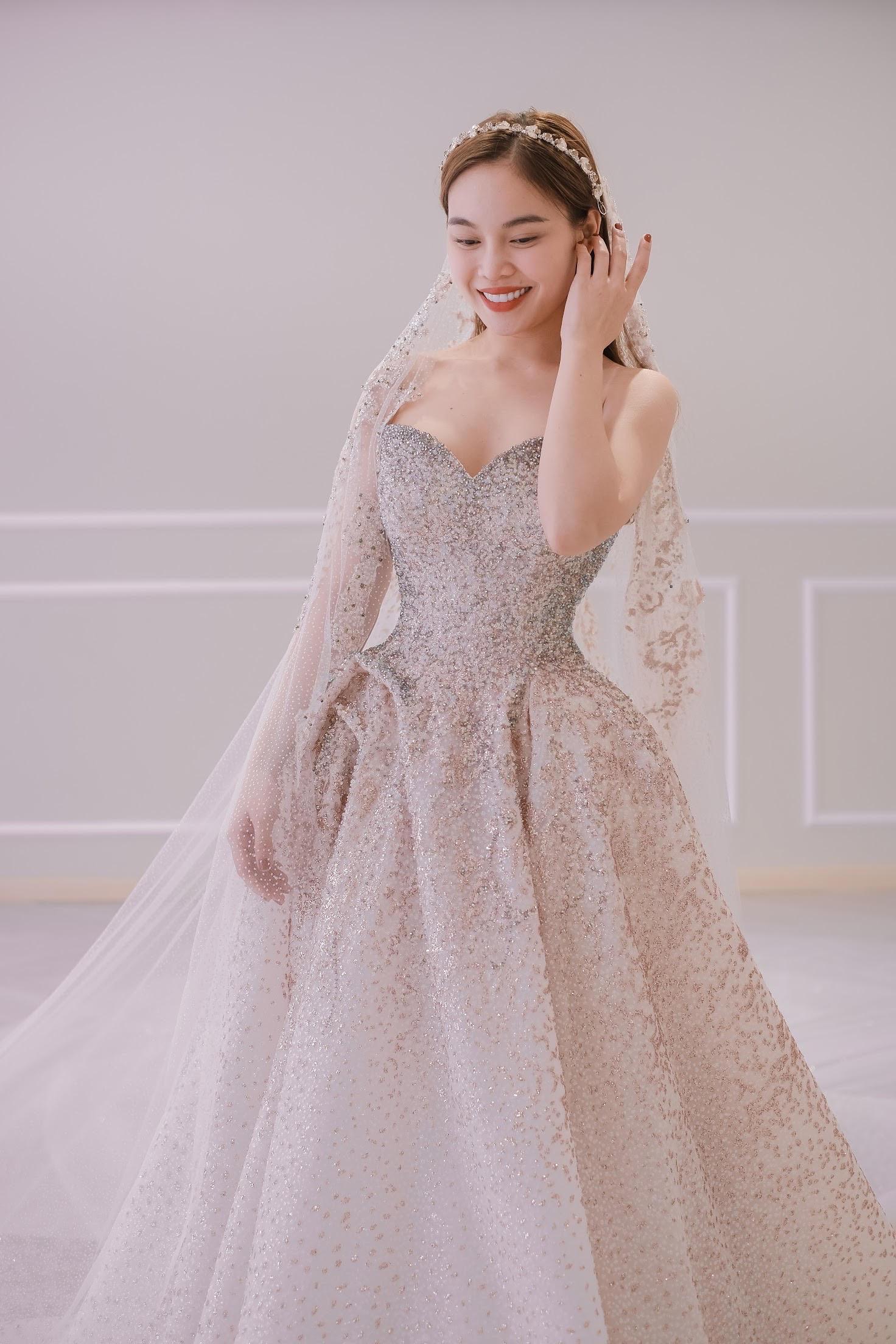 Sau Đông Nhi, Bảo Thy, đến lượt Giang Hồng Ngọc thử váy trước thềm đám cưới - Ảnh 8.