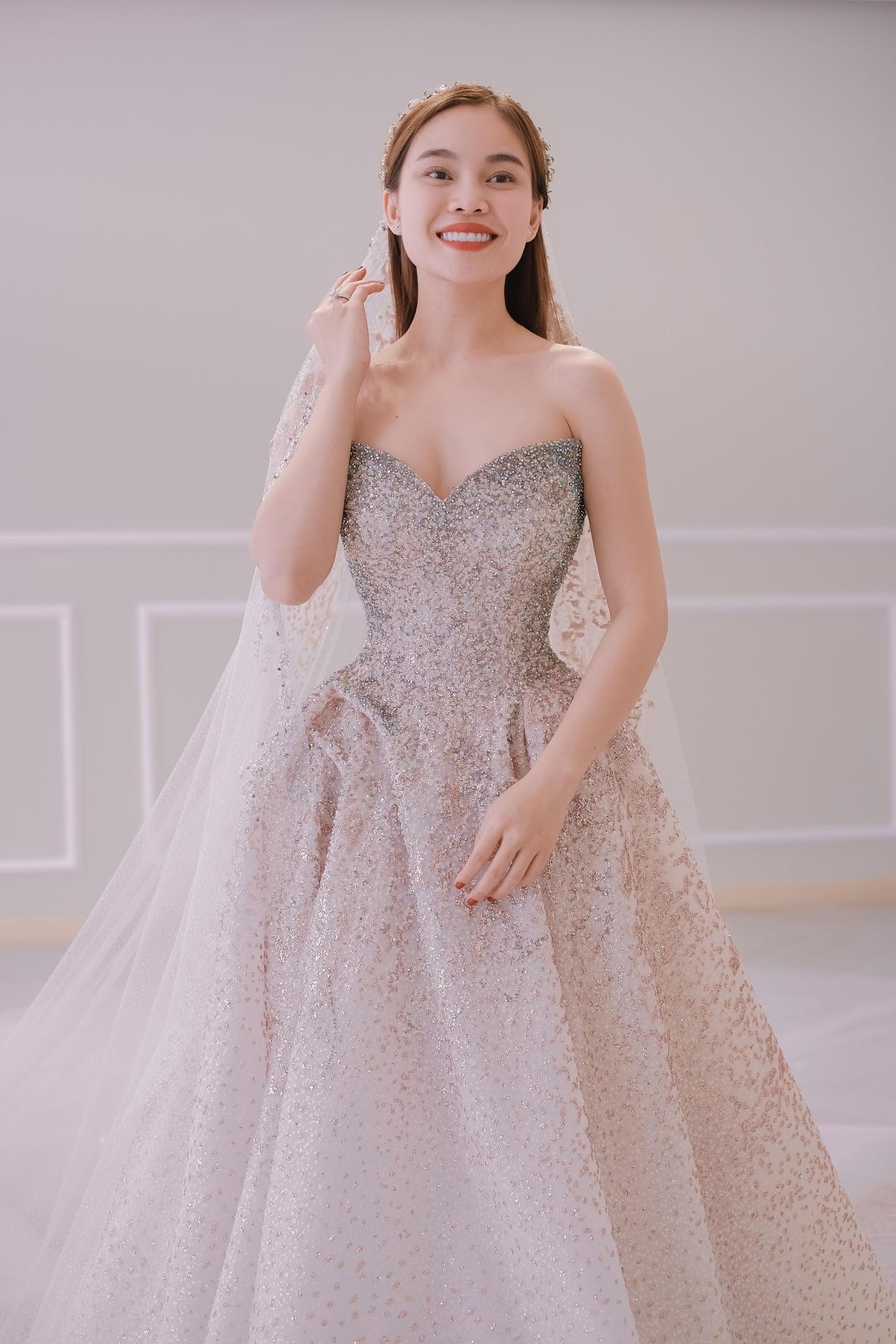 Sau Đông Nhi, Bảo Thy, đến lượt Giang Hồng Ngọc thử váy trước thềm đám cưới - Ảnh 9.