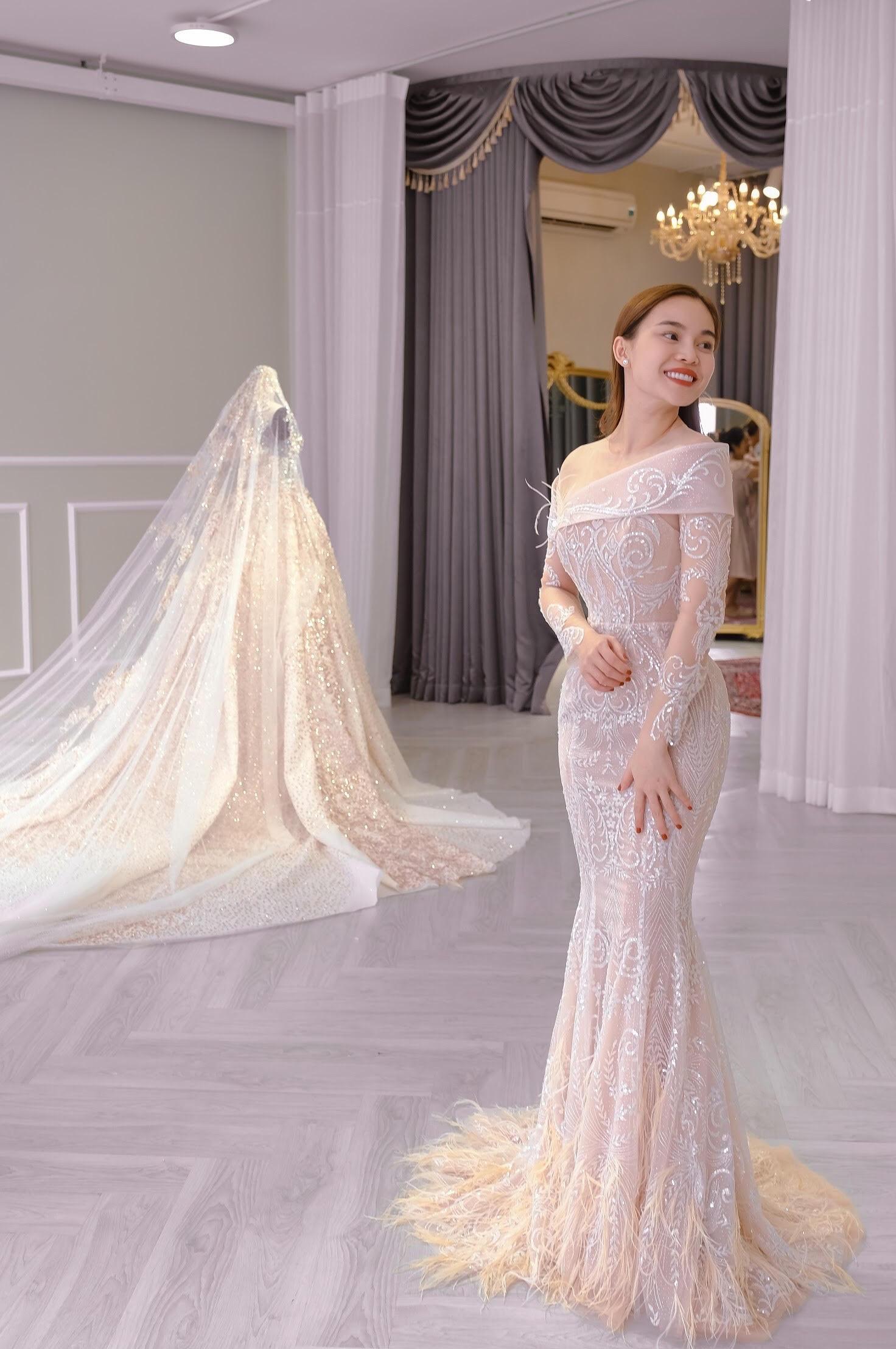 Sau Đông Nhi, Bảo Thy, đến lượt Giang Hồng Ngọc thử váy trước thềm đám cưới - Ảnh 11.