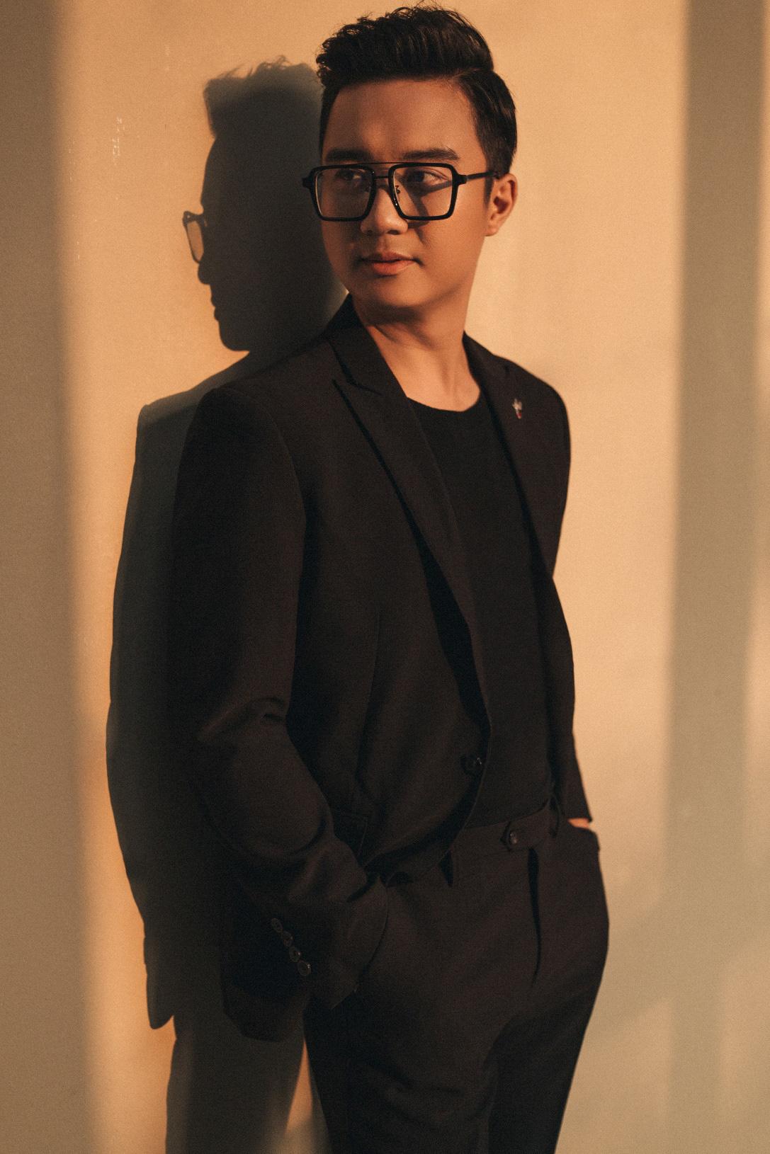"""MC """"chuyển động 24h"""" Sơn Lâm lịch lãm, hút mắt trong bộ ảnh mừng sinh nhật lần thứ 30 - Ảnh 4."""