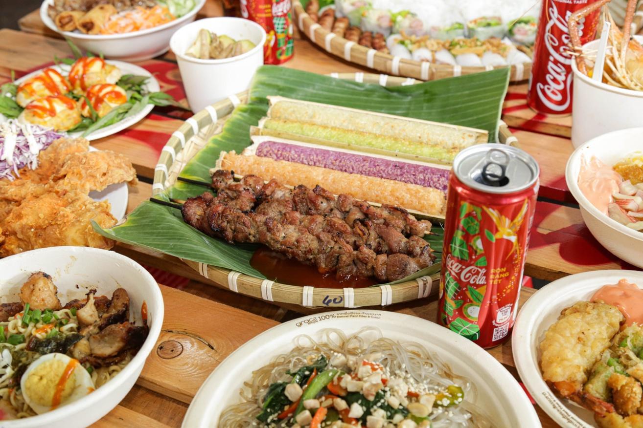 """Giới trẻ Sài thành đổ xô đi tìm """"vị mùa thu"""" tại Lễ hội Ẩm thực châu Á - Ảnh 3."""