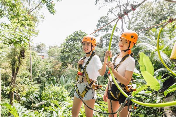 Hé lộ hết các điểm đến cực chất ở Malaysia trong MV mới của Phương Ly - Ảnh 1.