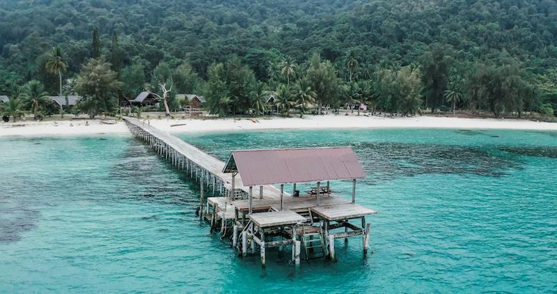 Hé lộ hết các điểm đến cực chất ở Malaysia trong MV mới của Phương Ly - Ảnh 5.