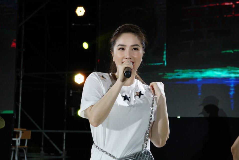 Đột nhập Thanh Xuâns Greatest Hits trước giờ G, vô tình đụng ngay các ngôi sao đang say sưa khoe giọng - Ảnh 6.