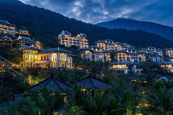 Điểm danh những khu nghỉ dưỡng xa xỉ hàng đầu Việt Nam - Ảnh 1.