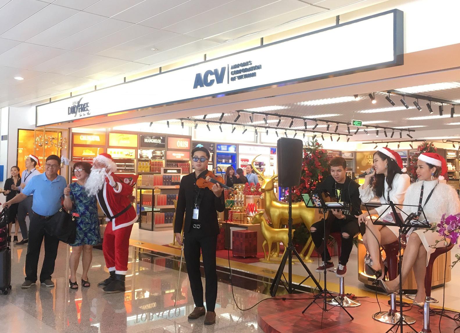Khám phá cửa hàng miễn thuế bậc nhất sân bay quốc tế Tân Sơn Nhất - Ảnh 2.