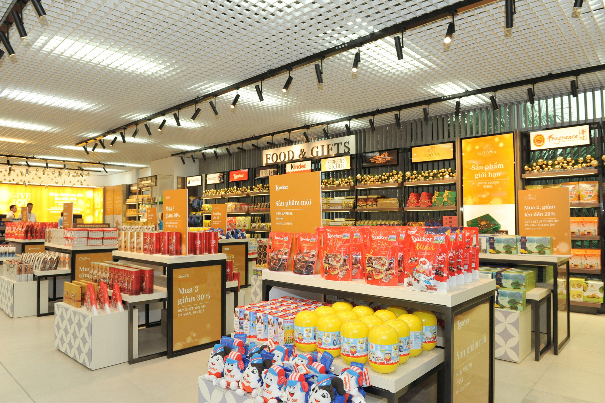 Khám phá cửa hàng miễn thuế bậc nhất sân bay quốc tế Tân Sơn Nhất - Ảnh 4.