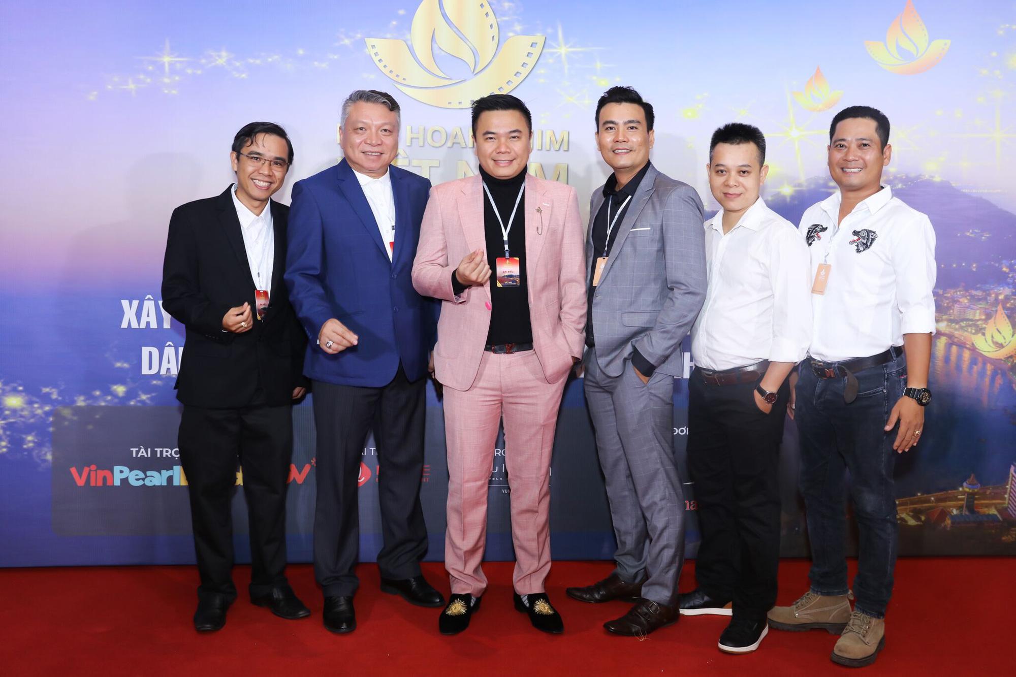 Đạo diễn Nhất Trung thắng giải Biên kịch xuất sắc nhất tại Liên hoan phim Việt Nam 2019 - Ảnh 1.