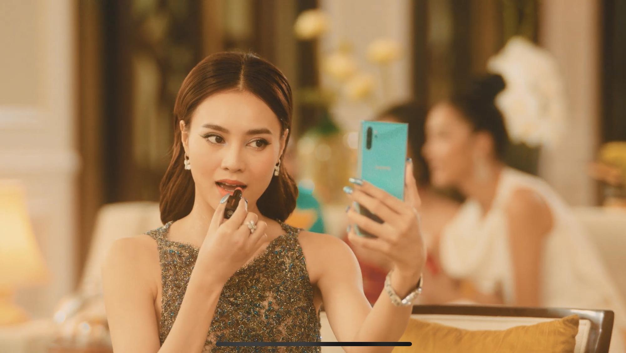 Lấn sân ca hát có ngay MV hơn 2 triệu view sau 24h, Lan Ngọc bất ngờ úp mở về dự án kinh doanh của mình - Ảnh 2.