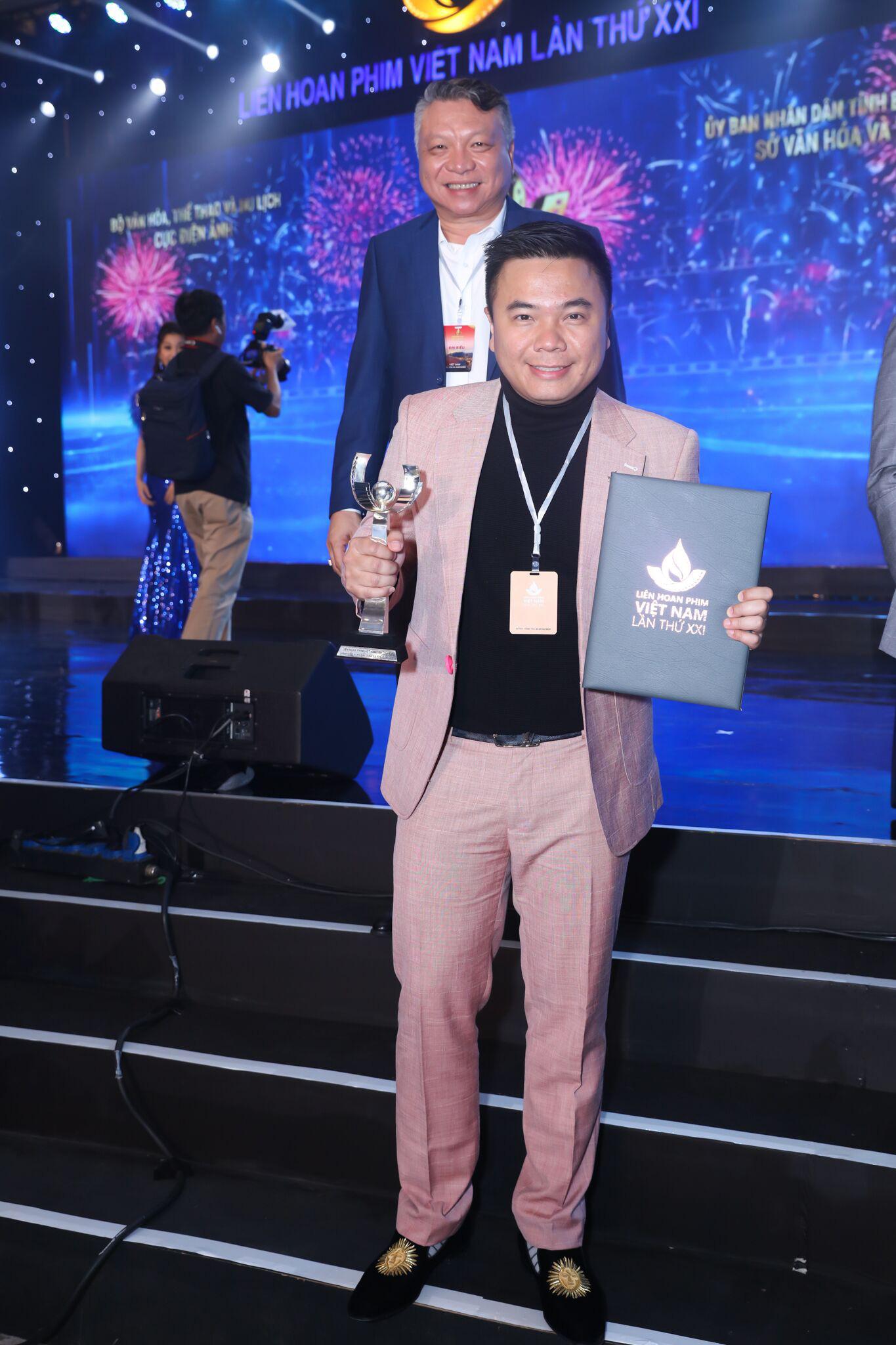 Đạo diễn Nhất Trung thắng giải Biên kịch xuất sắc nhất tại Liên hoan phim Việt Nam 2019 - Ảnh 3.