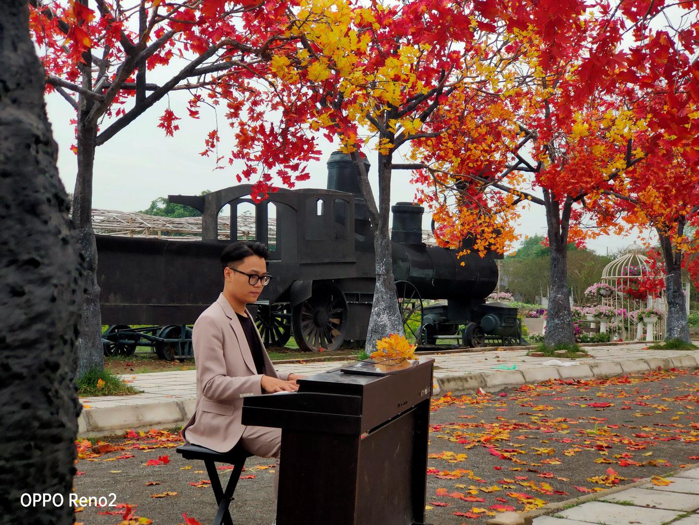 Đi Nhật, Hàn làm gì cho xa khi ở Hà Nội cũng có cảnh lá vàng đẹp đến nao lòng - Ảnh 2.