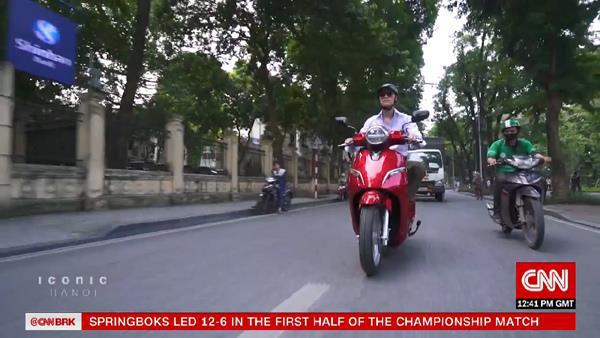 VinFast Klara xuat hien trong phong su ve Bieu tuong Ha Noi tren CNN