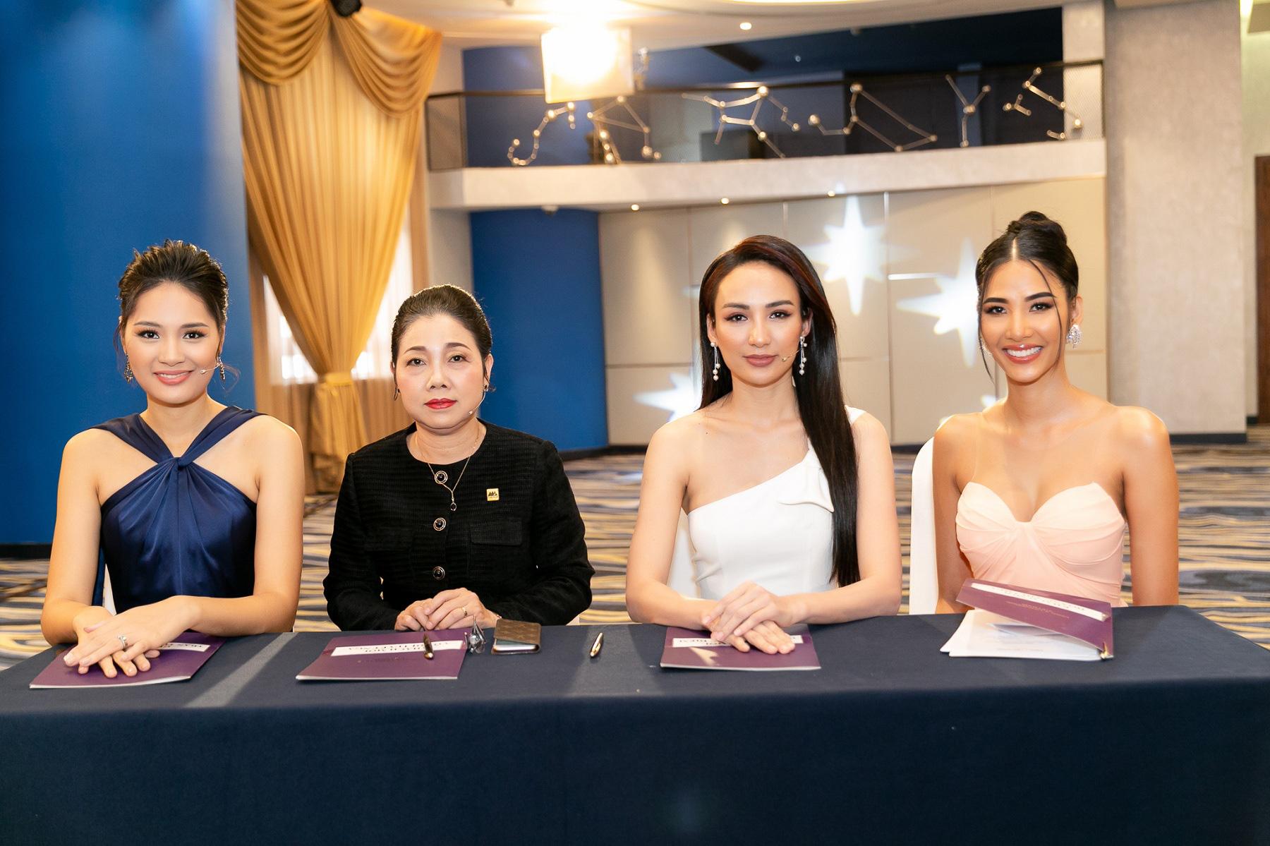 Nam Á Bank tư vấn kỹ năng xây dựng doanh nghiệp xã hội cho top 60 Hoa hậu Hoàn vũ Việt Nam 2019 - Ảnh 1.