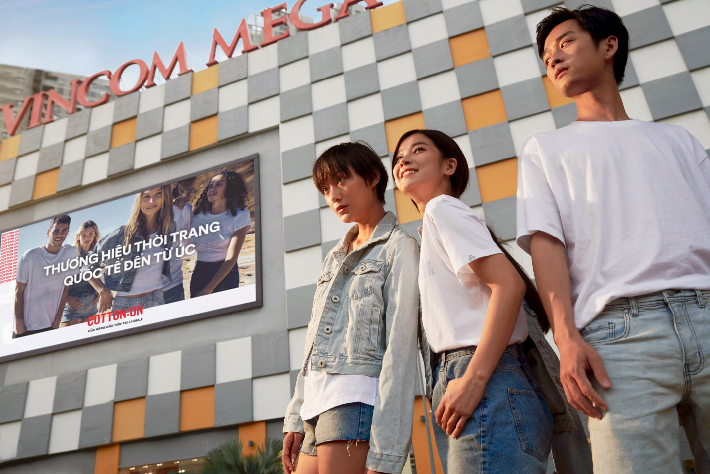 Hoàng Yến, Trần Nghĩa và Hồ Thu Anh trẻ trung với thời trang quốc tế đến từ Úc - COTTON:ON - Ảnh 7.