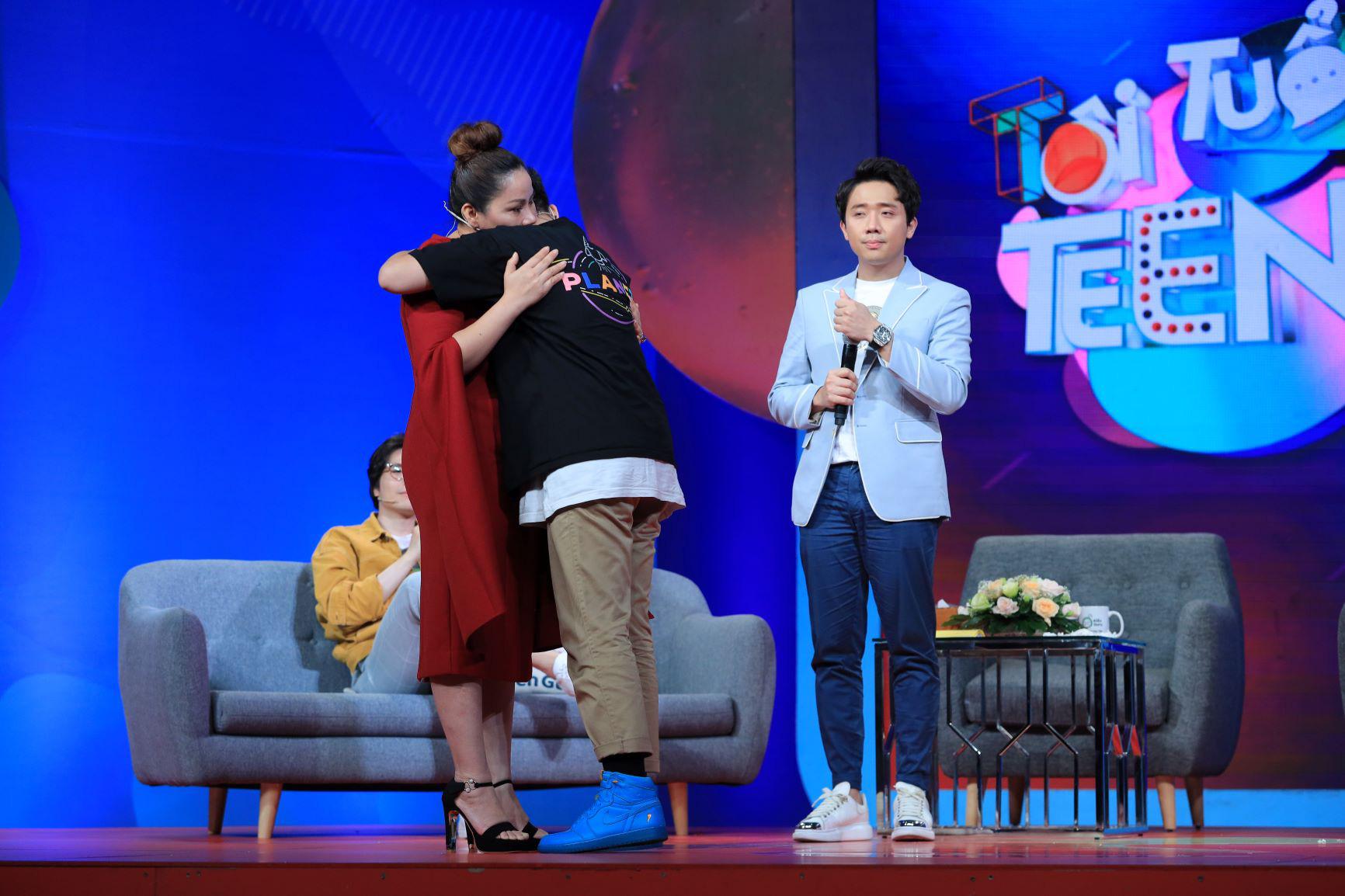 Trấn Thành bất ngờ trước sự hồn nhiên của cậu bé 14 tuổi khi trả lời các câu hỏi từ ứng dụng học tập Kiến Guru - Ảnh 5.