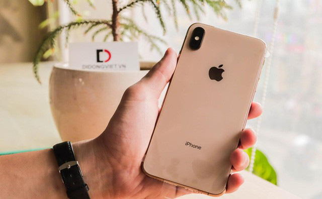 Đổi iPhone Xs Max lấy iPhone 11 Pro Max chỉ trả thêm khoảng 12,8 triệu đồng - Ảnh 1.