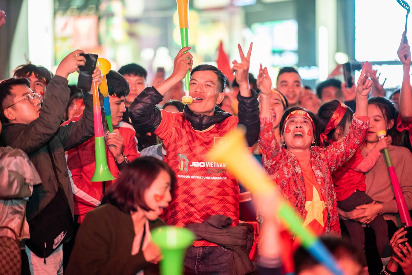 Tối nay, Hà Nội mở đại tiệc bóng đá trước Nhà hát Lớn, chờ U22 bất bại rinh vàng lịch sử! - Ảnh 2.