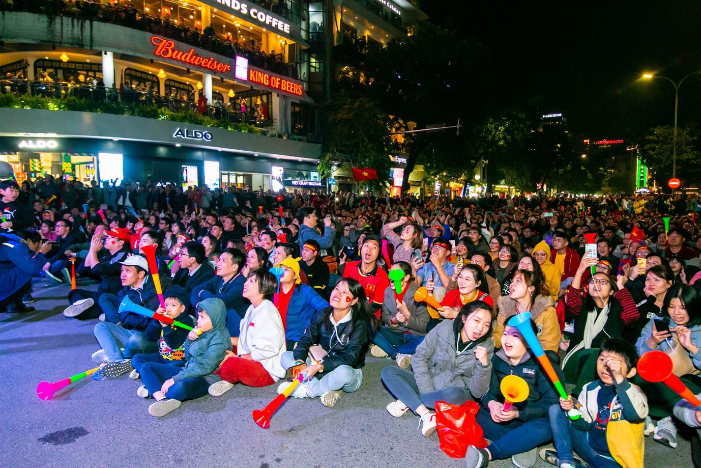 Tối nay, Hà Nội mở đại tiệc bóng đá trước Nhà hát Lớn, chờ U22 bất bại rinh vàng lịch sử! - Ảnh 7.