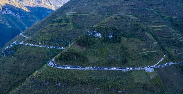 """Hành trình gần 100 xe VinFast chinh phục Hà Giang dưới góc máy nghệ thuật của nhiếp ảnh gia nổi tiếng: Đúng chất """"Amazing"""" - Ảnh 5."""