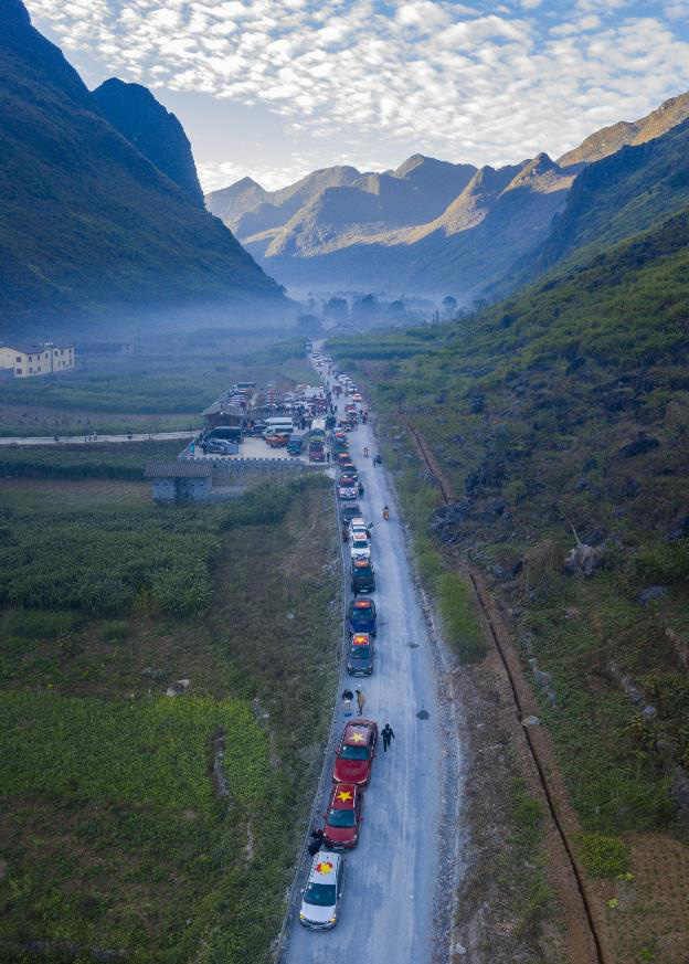 """Hành trình gần 100 xe VinFast chinh phục Hà Giang dưới góc máy nghệ thuật của nhiếp ảnh gia nổi tiếng: Đúng chất """"Amazing"""" - Ảnh 8."""