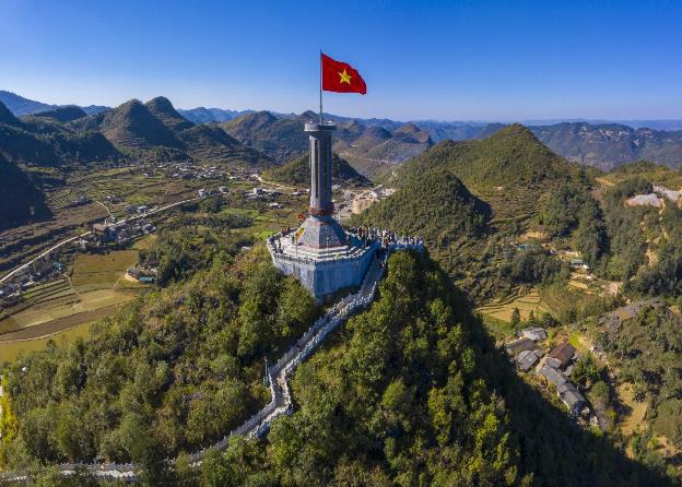 """Hành trình gần 100 xe VinFast chinh phục Hà Giang dưới góc máy nghệ thuật của nhiếp ảnh gia nổi tiếng: Đúng chất """"Amazing"""" - Ảnh 10."""