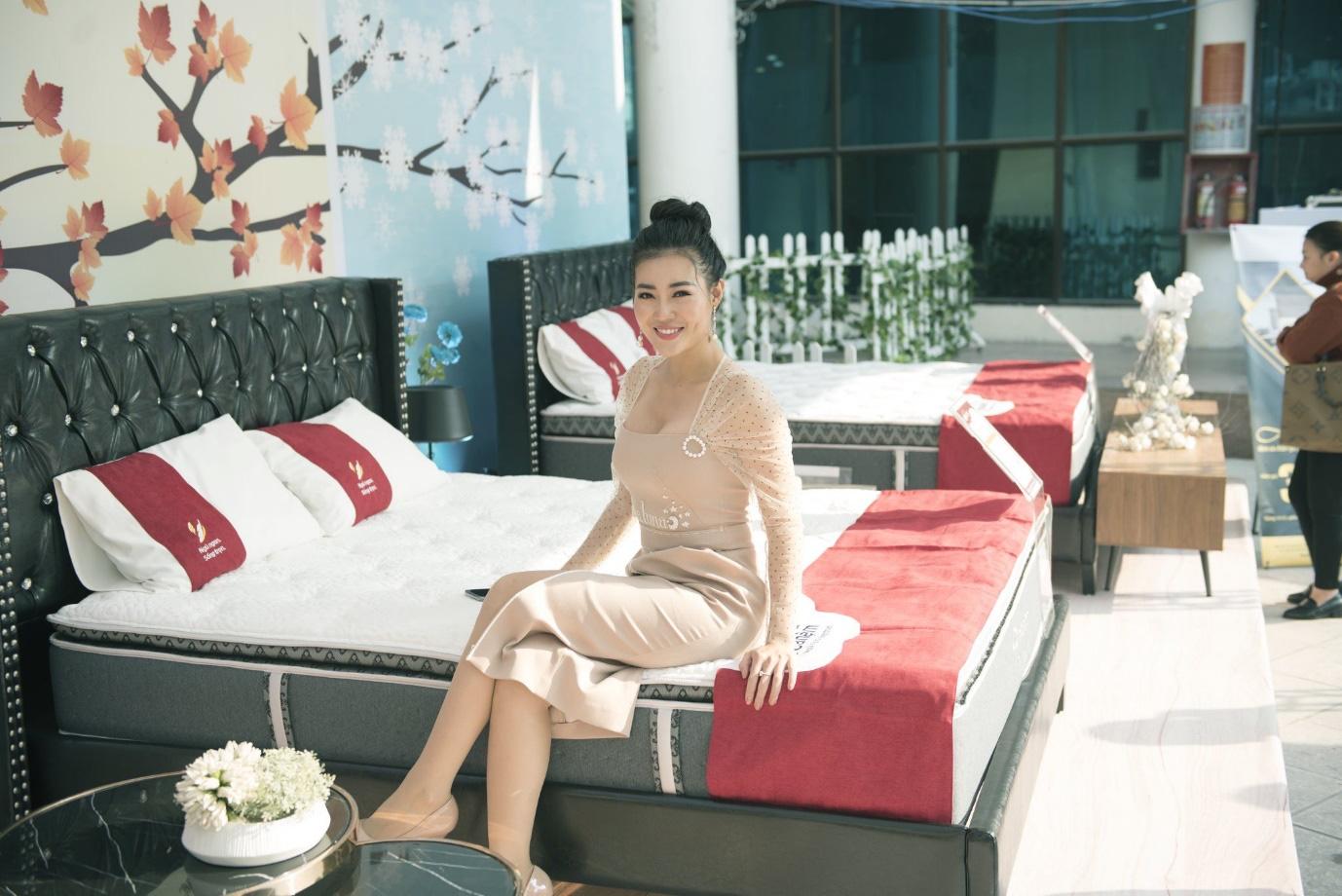 Việt Anh, Thanh Hương cùng dàn nghệ sĩ đình đám quy tụ tại Festival đệm và chăn ga gối Quốc tế 2019 - Ảnh 3.