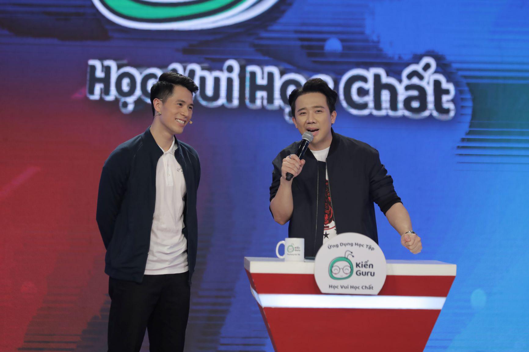 """""""Hoàng tử bóng đá"""" Trần Đình Trọng ngưỡng mộ kiến thức của cậu bé đội trưởng U17 CLB Sài Gòn FC - Ảnh 2."""