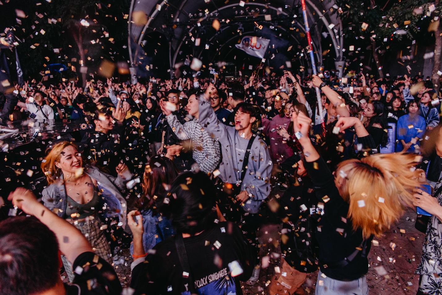1988: Thêm một đêm đại nhạc hội thành công của Đại học Thăng Long - Ảnh 9.