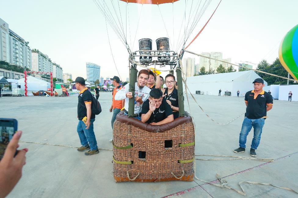 Đắm chìm trong không khí lễ hội cuối năm với những trải nghiệm có 1-0-2 tại Đại nhạc hội Khinh khí cầu - Ảnh 3.