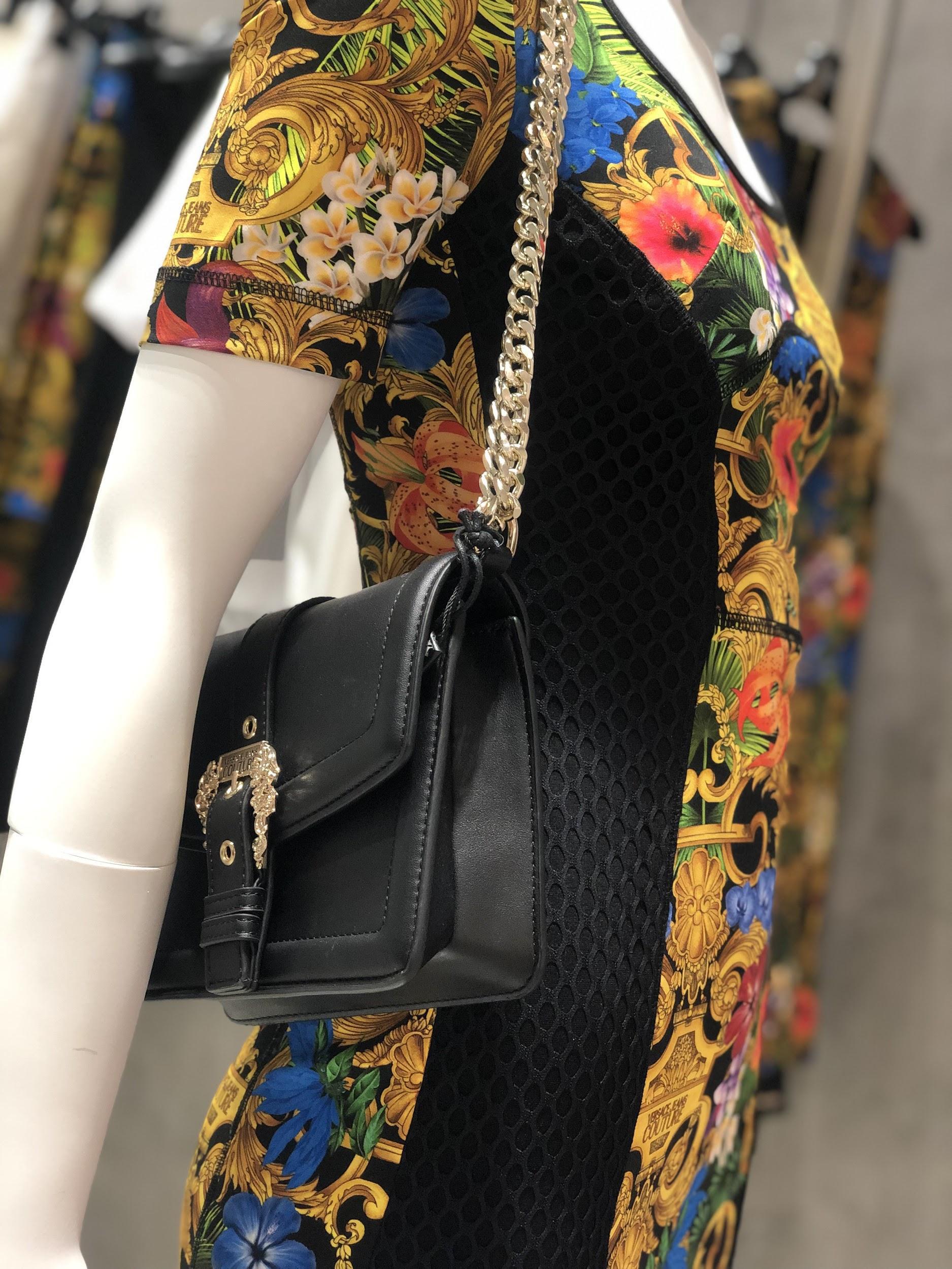 Đột nhập khu mua sắm xa xỉ bậc nhất quận 7 với sự góp mặt của 5 ông lớn ngành thời trang thế giới - Ảnh 8.
