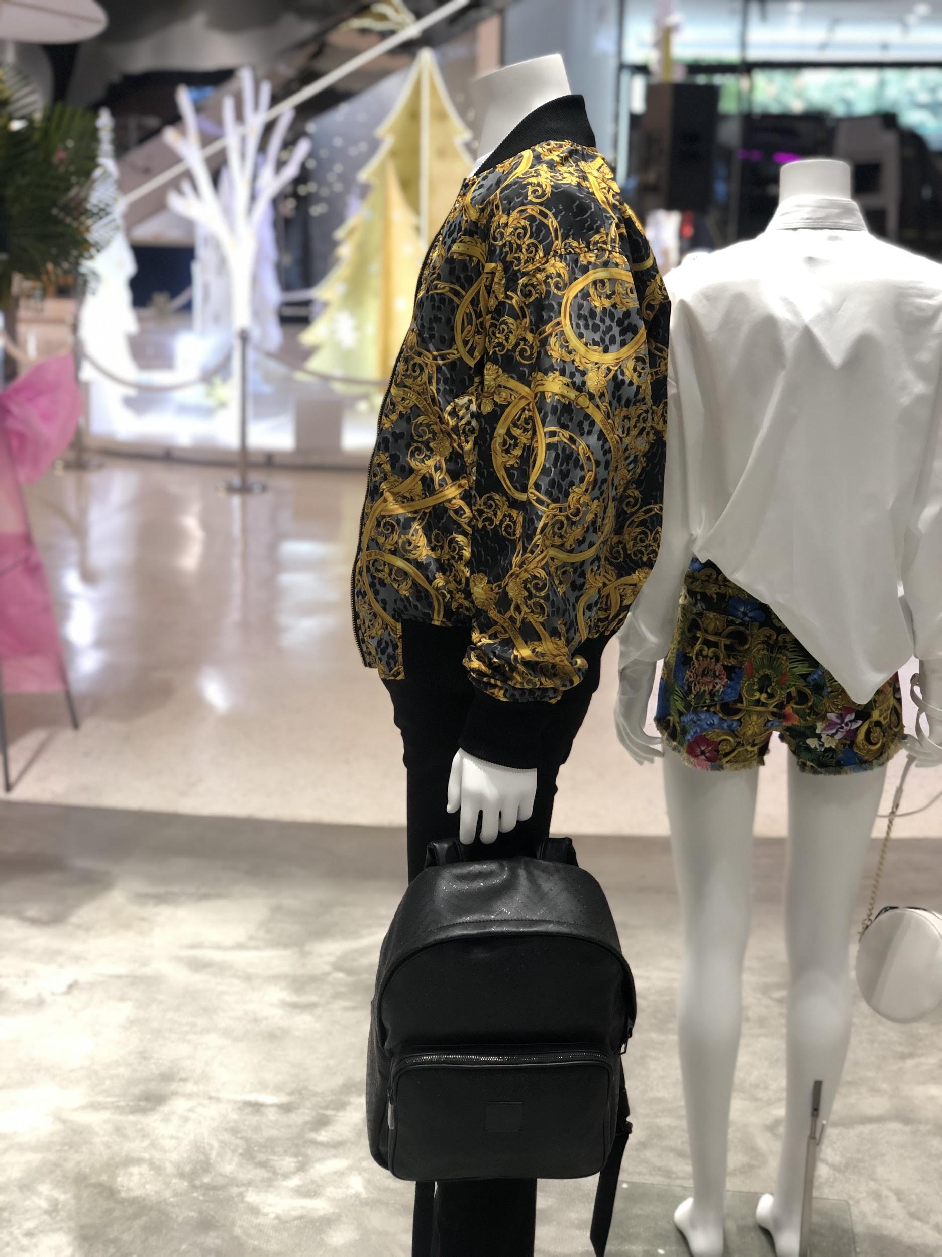 Đột nhập khu mua sắm xa xỉ bậc nhất quận 7 với sự góp mặt của 5 ông lớn ngành thời trang thế giới - Ảnh 9.