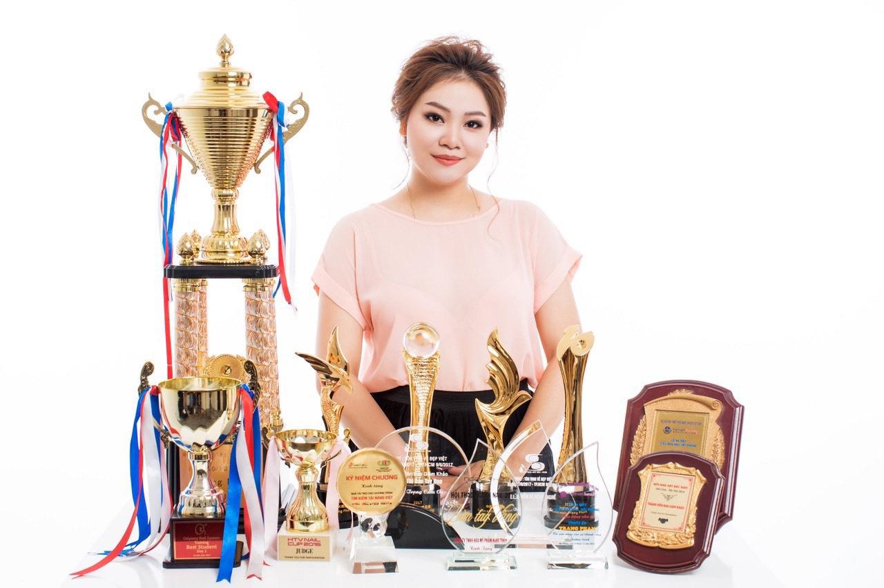 Bộ sưu tập nails sang trọng, đẳng cấp từ chuyên gia Trang Phạm - Ảnh 1.