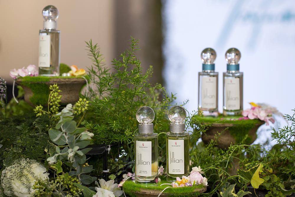 Quà tặng độc đáo của nước hoa cao cấp Jillian mùa Giáng sinh - Ảnh 1.