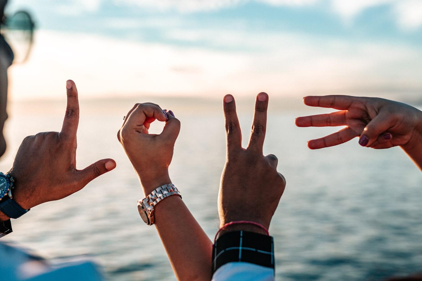 Chỉ 56% giới trẻ cảm thấy mình có quyền tự do yêu thương - Ảnh 2.