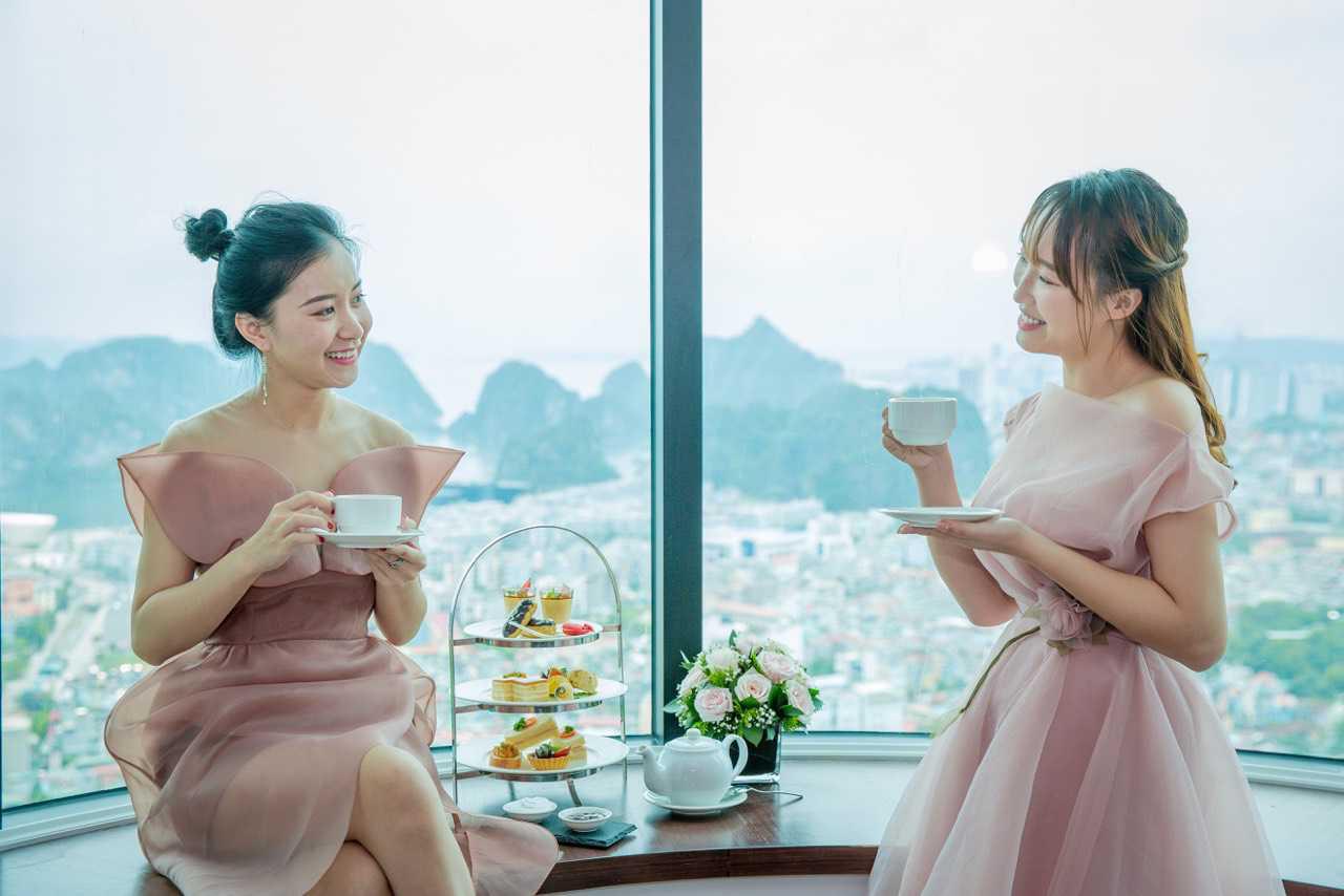 Mùa lễ hội 2019, check-in ngay ô cửa sổ khổng lồ view ngắm toàn cảnh vịnh Hạ Long - Ảnh 4.