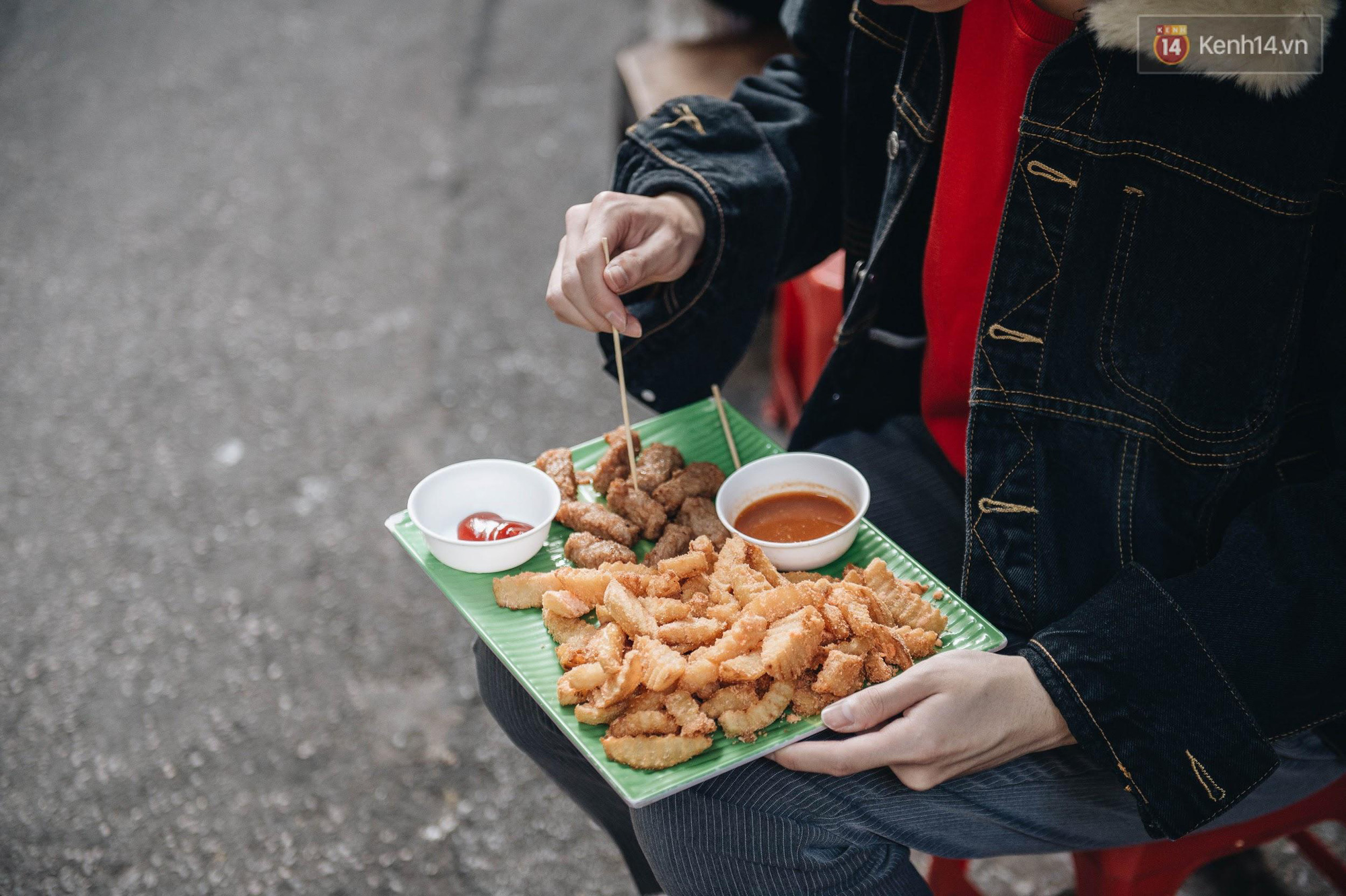 Food tour phố cổ Hà Nội mùa đông: Top những món ăn vặt trời càng lạnh, ăn càng ngon! - Ảnh 5.
