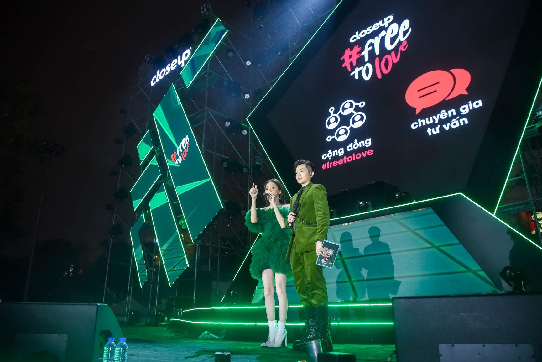 """Vừa xuất viện đã diễn cực """"sung"""", Hương Giang nhiệt tình cổ vũ quyền tự do yêu của giới trẻ cùng dàn sao Vpop - Ảnh 8."""
