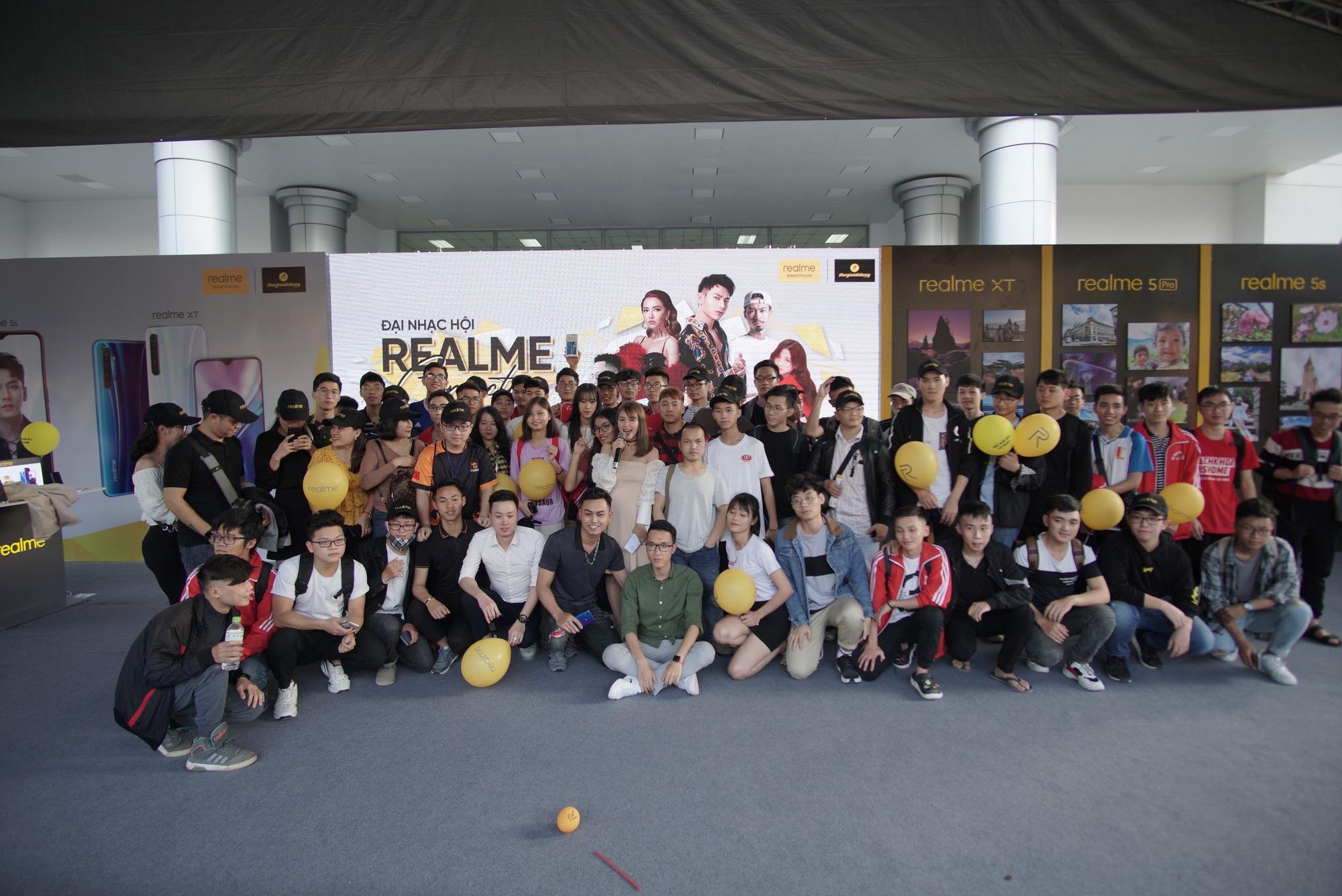 Dấu ấn Realme để lại trong năm 2019: ra mắt sản phẩm mới, xây dựng cộng đồng Realfan và tổ chức 2 đại nhạc hội hoành tráng - Ảnh 9.