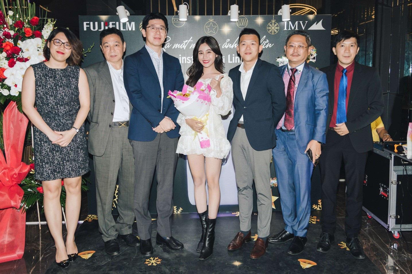 Fujifilm ra mắt dòng máy in ảnh thông minh Instax Mini Link - Ảnh 2.