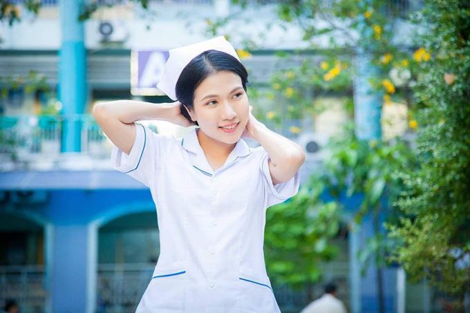 Sau Cua lại vợ bầu, diễn viên Thùy Dương chuyển hẳn sang làm y tá trong Nắng 3 - Ảnh 1.