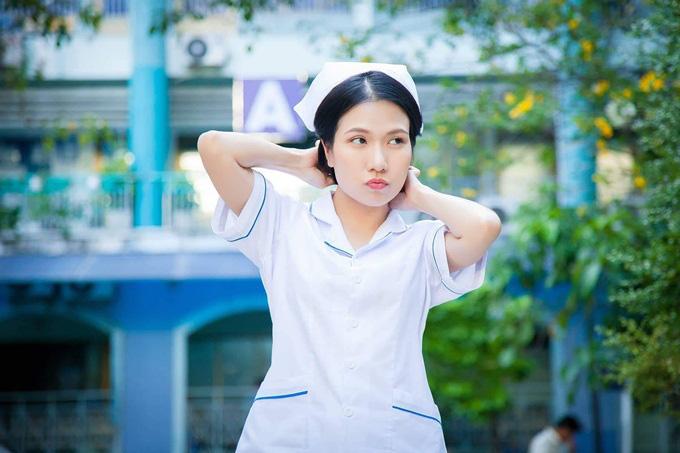 Sau Cua lại vợ bầu, diễn viên Thùy Dương chuyển hẳn sang làm y tá trong Nắng 3 - Ảnh 2.