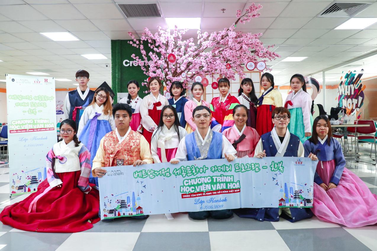 """Mê """"Oppa"""", yêu món kim chi, thích du lịch Hàn, có nên học Ngôn ngữ Hàn Quốc? - Ảnh 1."""