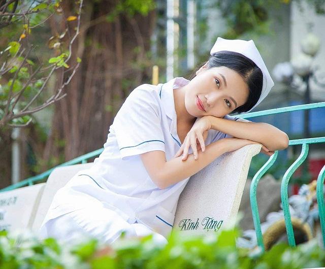 Sau Cua lại vợ bầu, diễn viên Thùy Dương chuyển hẳn sang làm y tá trong Nắng 3 - Ảnh 3.
