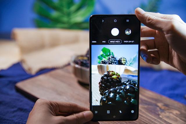 Làm thế nào chụp được những tấm ảnh siêu deep từ hoa lá trái cây mà chỉ bằng smartphone? - Ảnh 1.